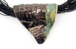 Naszyjnik ceramiczny, Naszyjnik lniany z ceramiką