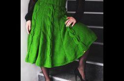 zielona spódnica z warkoczami
