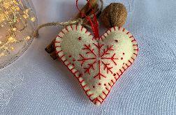 Dekoracja świąteczna z filcu z ozdobnym haftem - wzór 021