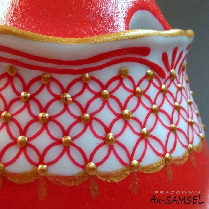 Cukiernica czerwona ze złoceniami -