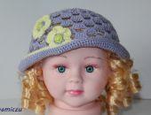 Fioletowa ażurowa czapeczka