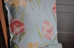 Poszewka dekoracyjna - tulipany na błekicie