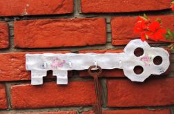 Drewniany wieszak klucz, shabby chic, biały,