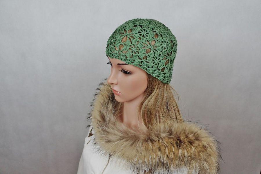 Czapka w zieleni z bawełny - czapka ręcznie robiona