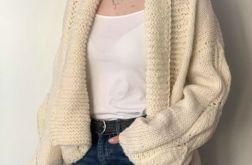 ciepły sweter ecru