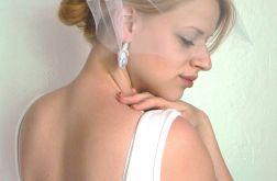 Woalka z różyczką ślub
