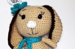 Panna Króliczka z długimi uszami