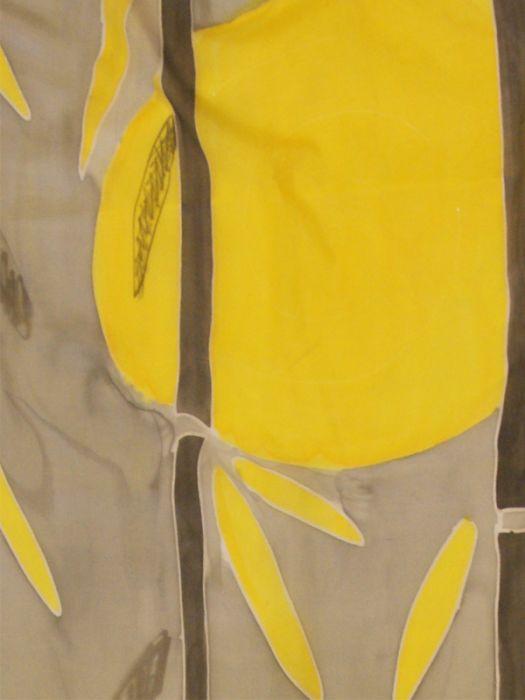 Obszerny jedwabny szal szaro-zółty