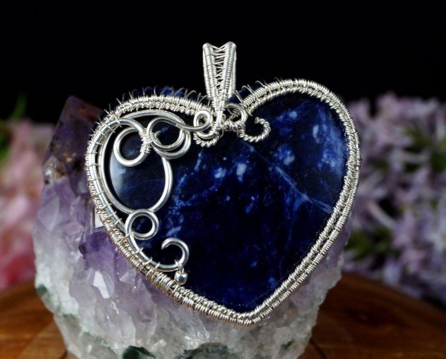 Sodalit, srebrny wisior z sodalitem serce