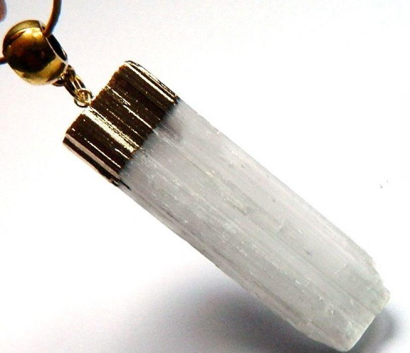 Biały selenit, kamień księżycowy, wisiorek