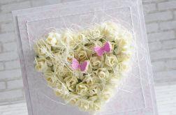 Krem w pastelowym różu