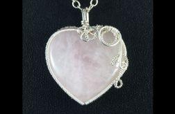 Srebrny wisior z kwarcem różowym serce