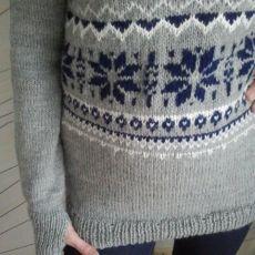 Sweter na suwak raglan