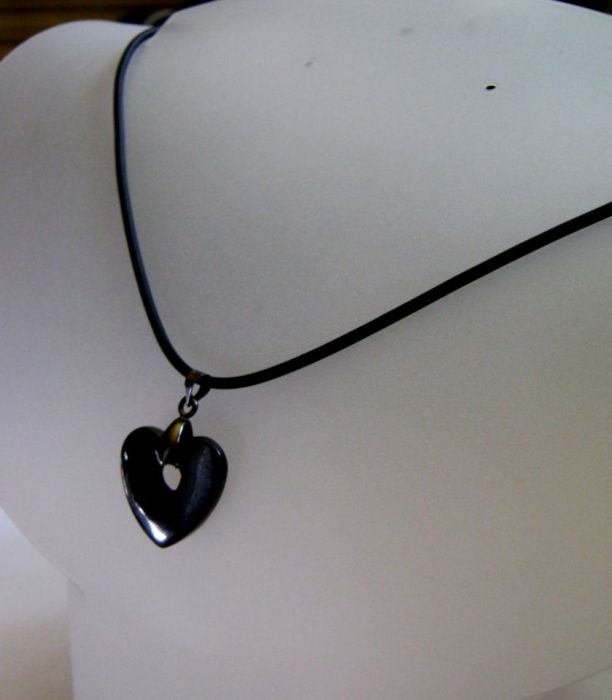 Czarny hematyt dla minimalisty