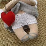 ANIOŁEK lalka - dekoracja tekstylna, OOAK /08 - mam koronkowe majteczki