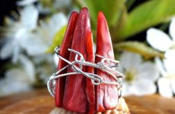 Srebrny pierścionek z masą perłową