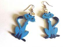 Drewniane kolczyki Kotki siedzące-niebieskie