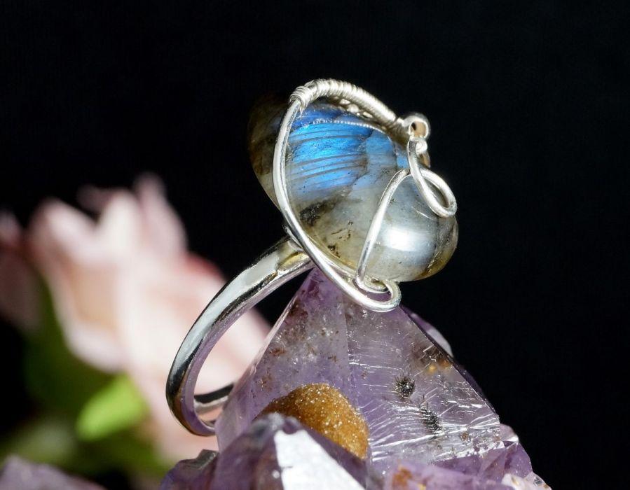 Srebrny pierścionek z labradorytem hand made