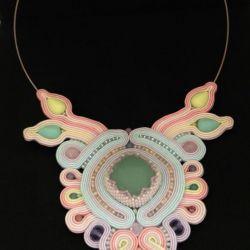 Naszyjnik sutasz Kiara w pastelowych kolorach
