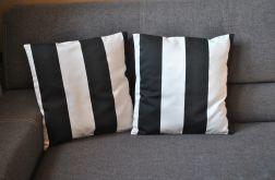 Poszewka - czarno-białe pasy