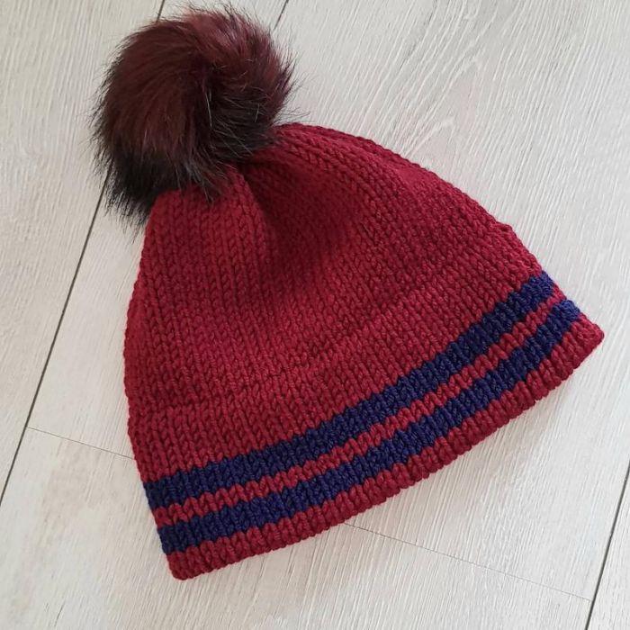 Bordowa czapka z podwójnym rondem - czapka na narty