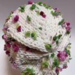 Dziergana na drutach ciepła damska czapka zim