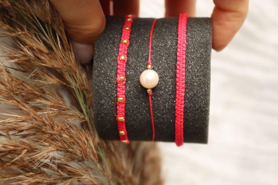 Komplet czerwonych bransoletek plecionych - Komplet bransoletek