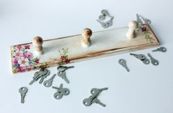 Drewniany wieszak na ściereczki lub klucze