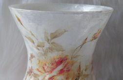 lampion-wazon z herbacianymi różami