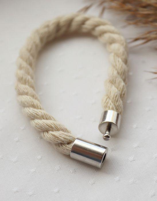 Bransoletka ze skręcanego, kremowego sznurka - Bransoletka na zatrzask