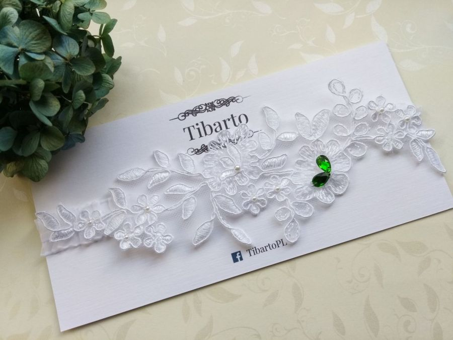 Ślubna podwiązka z koronkową aplikacją