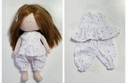 Piżamka dla lalki biała w gwiazdki