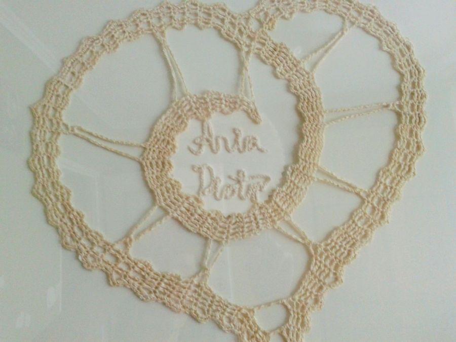 Obraz z sercem szydełkowym - obraz szydełkowy serce