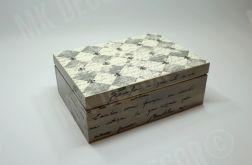 Drewniana szkatułka prostokątna z NAPISAMI