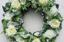 Wianek kwiatowy Biała magia