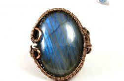 Miedziany pierścionek z labradorytem blue.