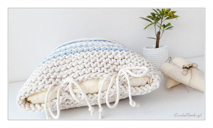 Poduszka Pasiak Blue - Dekoracyjne wiązanie