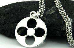 Srebrny łańcuszek z zawieszką kwiatuszkiem