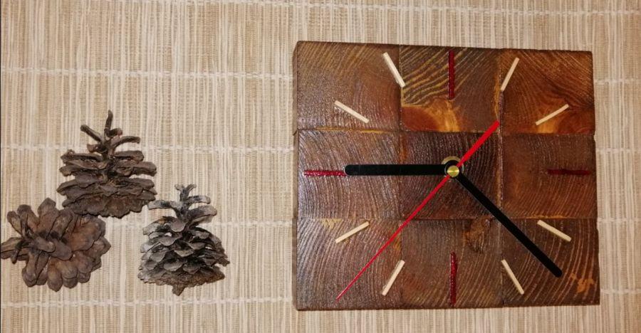 Zegar drewniany stojący Kostka mała -