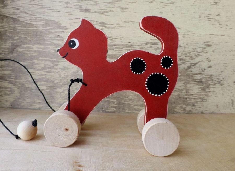 Drewniany kotek do ciągania, czerwony - kotek czerwony