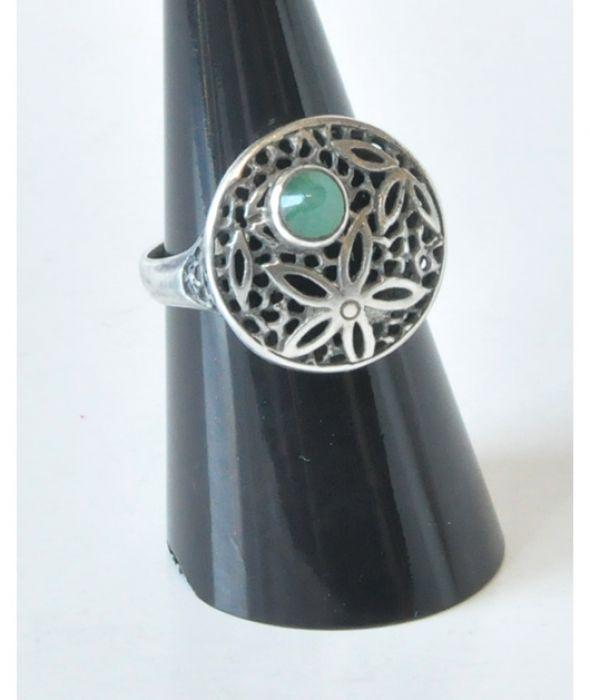 81 śliczny pierścionek vintage; szmaragd