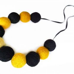 Korale z filcu żółto czarne