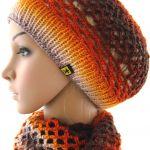 komplet ażurowy w ognistych barwach - ażurowa czapeczko-beretka