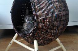 Brązowe legowisko dla kota