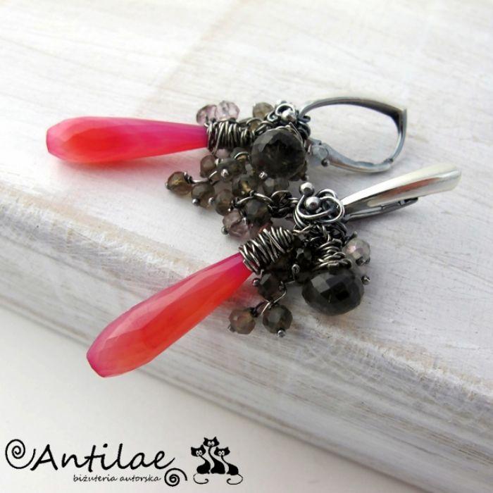 Długie kolczyki z różowym chalcedonem