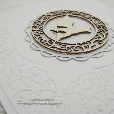 Białe zaproszenia z tłoczeniem na Chrzest 5