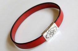 * minimalistyczna skórzana czerwona*