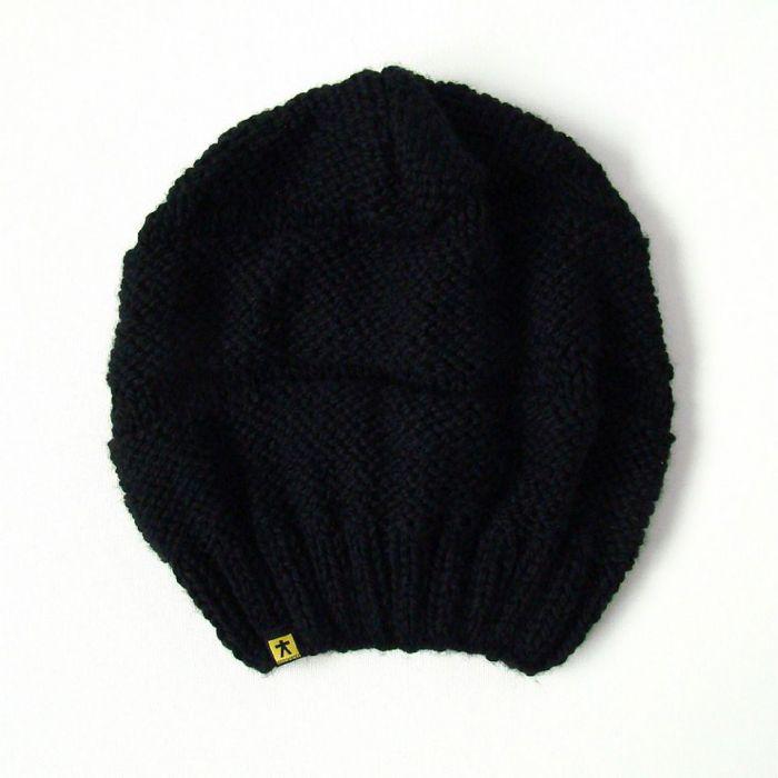 czarna czapa