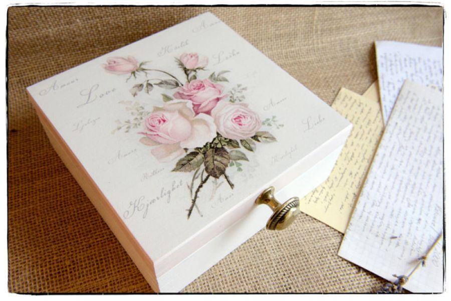 Pudełko z okazji Ślubu Młodej Parze ~~Róże~~ -