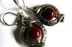 Srebrno czerwone kolczyki w stylu retro